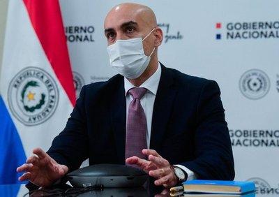 Julio Mazzoleni explica que datos sobre cantidad y fecha de llegada de vacunas Sputnik V son ocultos 'por confidencialidad'