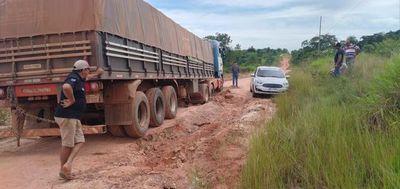 Pésimo estado de tramo vial en Hugua Ñandu