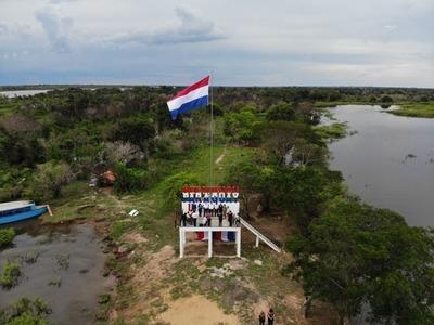 Señalizan con mirador la soberanía del país en confluencia de ríos Paraná y Paraguay