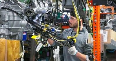 La Nación / General Motors extiende cierre de plantas por escasez de semiconductores