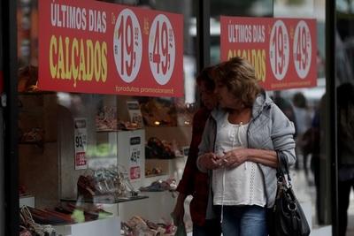 Las ventas de los comerciantes brasileños crecieron 1,2 % en 2020 pese a la pandemia