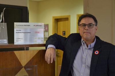 """Gustavo Egüez: """"Somos la red corporativa número uno en el transporte de datos"""""""