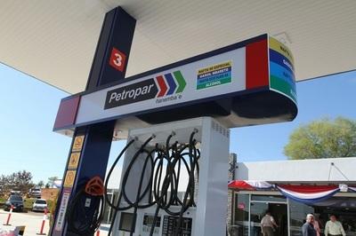 Petropar descarta aumentos de momento y habla de buen almacenamiento de combustibles