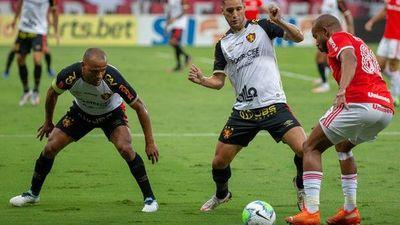 Inter deja abierta la disputa por el Brasileirao al caer con Sport Recife