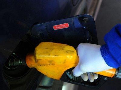 El MIC se centra en evitar solo la suba del precio del gasoil común