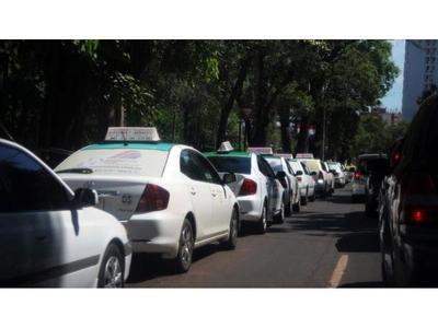Los taxistas de CDE piden rechazo a veto  que reglamenta MUV y Uber