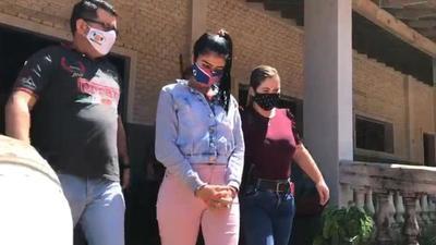 Durante allanamiento aprehenden a mujer e incautan evidencias ligadas a asalto a joven