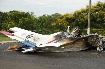 Aparece video de la última maniobra del avión estrellado