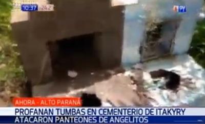 Profanan tumbas de niños en cementerio de Itakyry