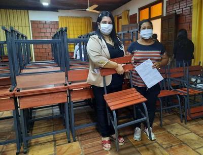 Entregan mobiliarios a instituciones educativas del departamento del Caaguazú – Prensa 5