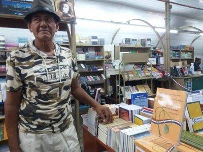 Presentan primero libro de narrativa de un escritor indígena