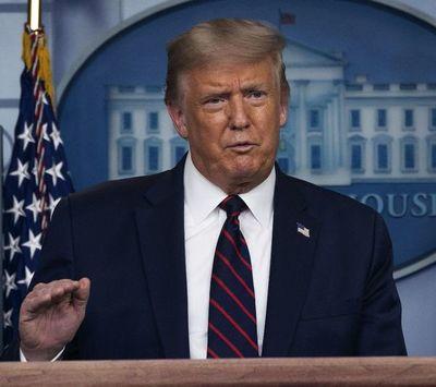 """Defensa de Trump tacha  su juicio político de mera """"venganza política"""""""