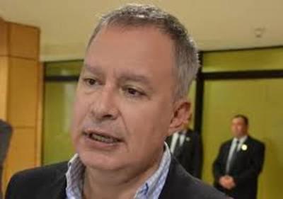 Senador Silva Facetti presiona para evitar denuncia de empresarios de CDE contra jueza Cinthia Garcete – Diario TNPRESS
