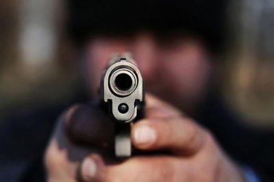 Tras violento asalto, delincuentes se alzan con millonaria suma