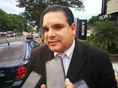 Director de Empleos de ANR critica a viceministro del MTESS por asumir cargo de jefe de campaña Daniel Centurión.