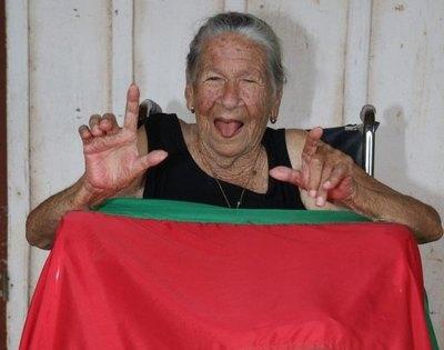 Crónica / ¡Tiene 97 años y espera por volver a las canchas!