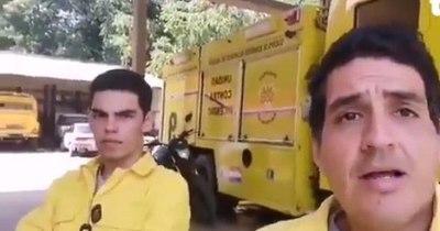 La Nación / Bombero recibe ofertas laborales tras ser despedido por ayudar en un incendio