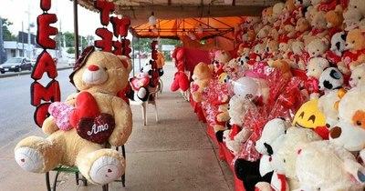La Nación / San Valentín: Venta de peluches y flores fueron bajas