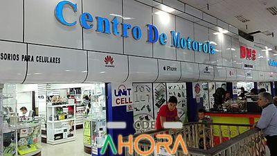 Centro Motorola ESTAFA y EVADE impunemente