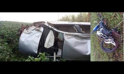 Tres muertos en Salto del Guairá, dos motociclistas y chofer de camioneta que los embistió