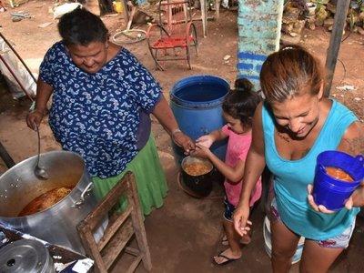 Ollas populares en zonas ribereñas, en peligro por inminente inundación