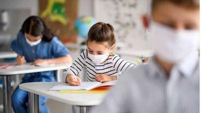 """Vuelta a clases es posible si niños cumplen protocolo sanitario: """"Estamos en un riesgo moderado"""