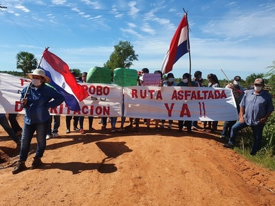 Pobladores de Puerto Ybapobo piden asfalto y distritación