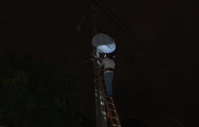 Reclaman restablecimiento eléctrico en Mariano