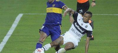 Cardona salva a Boca y River pierde en el arranque del torneo argentino
