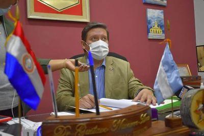 Renuncia intendente de Villarrica y el cartismo se quedaría con el cargo