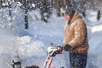 Millones de personas sin electricidad mientras ola de frío se apodera de EE.UU.