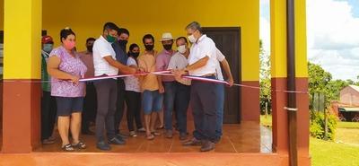 Guairá: Inauguran mejoras hechas en escuelas