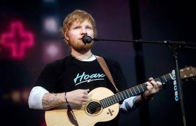 HOY / Ed Sheeran, la fórmula del éxito escrita con seis cuerdas de guitarra
