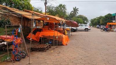 Siguen las ocupaciones irregulares en inmediaciones del mercado municipal