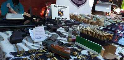Incautaron armas, drogas y hubo cuatro detenidos en Hernandarias
