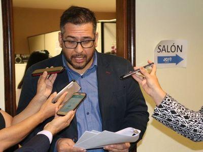 Miguel Godoy se disculpa con la ministra Cecilia Pérez