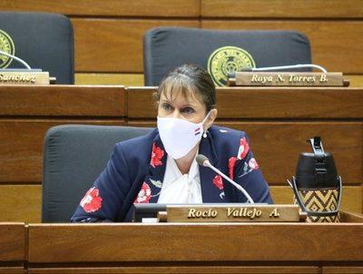 Diputada lamenta que quieran negociar el cargo de la ministra de Justicia · Radio Monumental 1080 AM