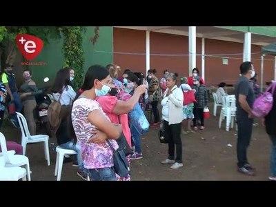 TRABAJADORES AFECTADOS POR EL CIERRE DEL PUENTE MARCHARON EN ENCARNACIÓN