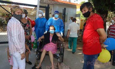 """Enfermera que no creía en el covid se contagió y llegó a """"saludar desde lejos"""" a San Pedro"""