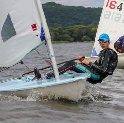 Un atleta que navega hacia nuevos desafíos