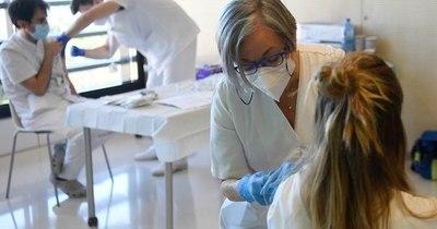La Nación / Vacunación arranca el lunes en 3 departamentos