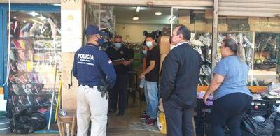 Delitos Económicos de Pedro Juan  cerrado en pleno horario de oficina
