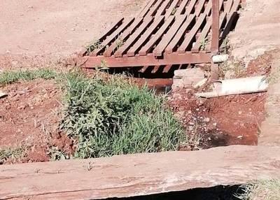 Con cada lluvia vecindad sufre por colapso de red cloacal