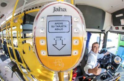 """Uso de tarjetas en buses marcó """"récord histórico en validación de pasajes electrónicos"""", celebran"""