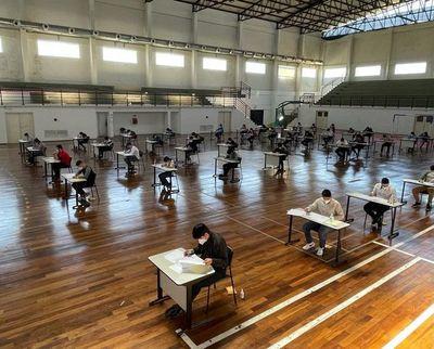 Jóvenes realizaron exámenes de admisión en la universidad Politécnica Taiwán-Paraguay
