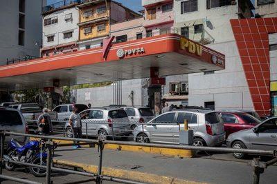 Empresarios venezolanos piden a Maduro concesiones para operar gasolineras