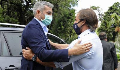 Los granos y la carne estuvieron presentes en reunión entre Abdo Benitez y Lacalle Pou