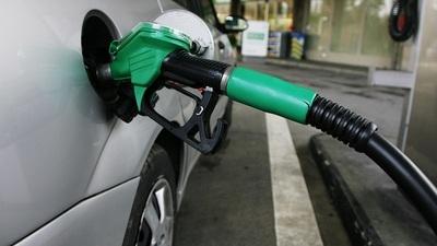 Desde hoy casi todos los emblemas alzan G. 400 el litro de combustible
