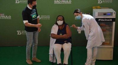 Brasil supera los 10 millones de casos con polémicas en torno a la vacunación