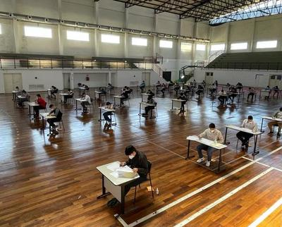 Realizan exámenes de admisión 2021 en la Universidad Politécnica Taiwán-Paraguay